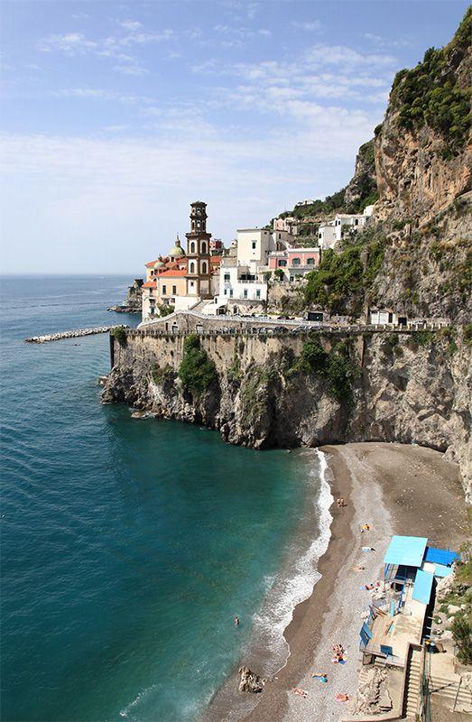 De little village of Atrani, along Amalfi Coast, Salerno, Campania_ Italy