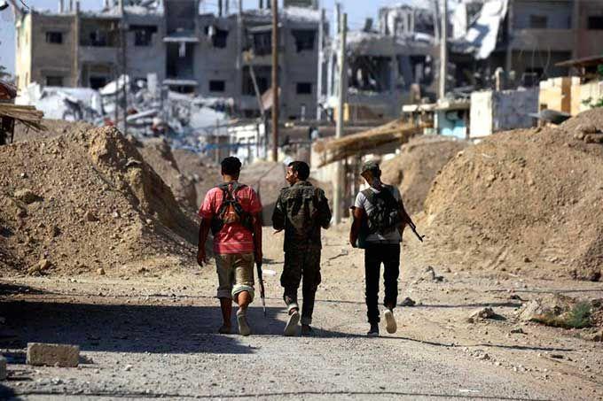 Fuerzas sirias expulsaron de Akerbat a terroristas del Estado Islámico