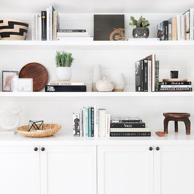 20 Ways to Artfully Style All The Shelves in YourHome | StyleCaster