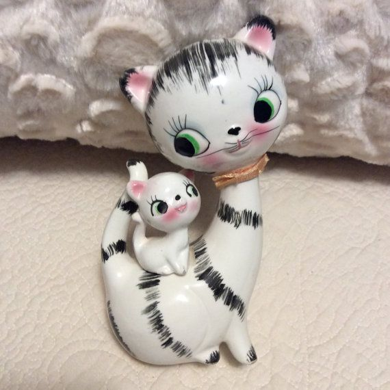 Vintage Happy Cat Figurine with Kitten By by curlygirlboutique