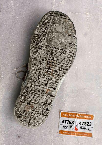 Gran gráfica que promociona el Maratón de Nueva York. La #solucion fue representar a la ciudad de Nueva York en la suela de un zapato.