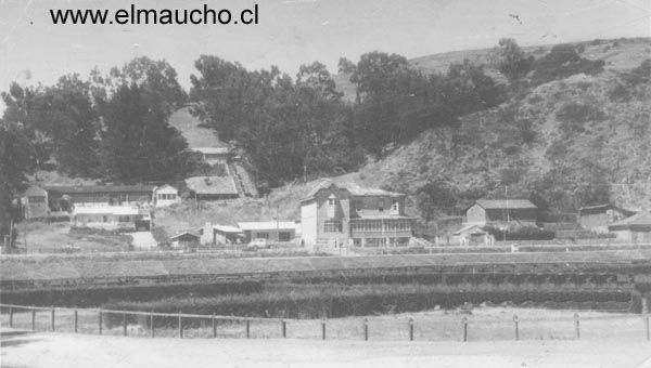 Antiguo muelle fiscal, a orillas del río Maule.
