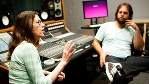 Susan Rogers delivers a lesson at Berklee University (on producing music)