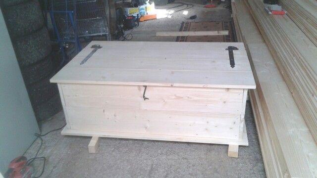 Kista/Soffbord innan målning