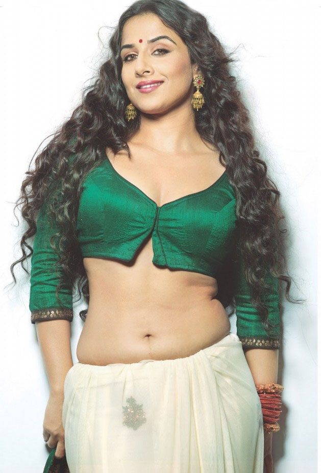 One of the sexiest saree pictures known to man. Curvy Vidya is so hot it ought to be illegal.