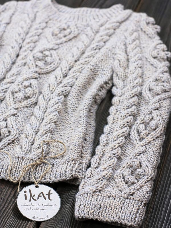 Cabled classic pullover