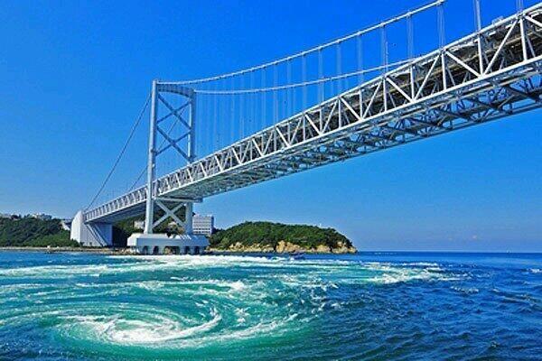 鳴門の渦潮(徳島) pic.twitter.com/qv4qqlzDjr