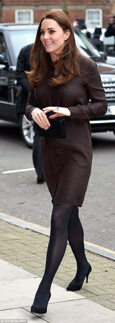 Thrifty: The Duchess of Cambridge arrives wearing a Hobbs dress 01/2015