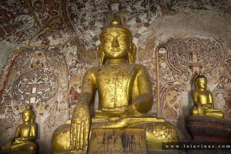 Se calcula que en las cuevas de Hpo Win hay cerca de 2.600 estatuas de Budha. Pero no terminan ahí las representaciones de Gautama, ya que algunas de las grutas tienen sus paredes cubiertas con pinturas que le representan.