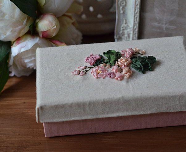 Silk ribbon embroidered garden roses. http://caffeinatedkitten.wix.com/crafts