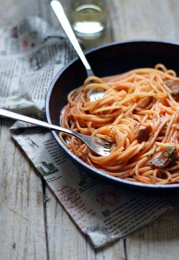 Pasta al profumo di bosco.. che fame!  La #ricetta qui http://www.alfemminile.com/ricette-cucina-italiana/ricette-primi-piatti-d48007c568825.html