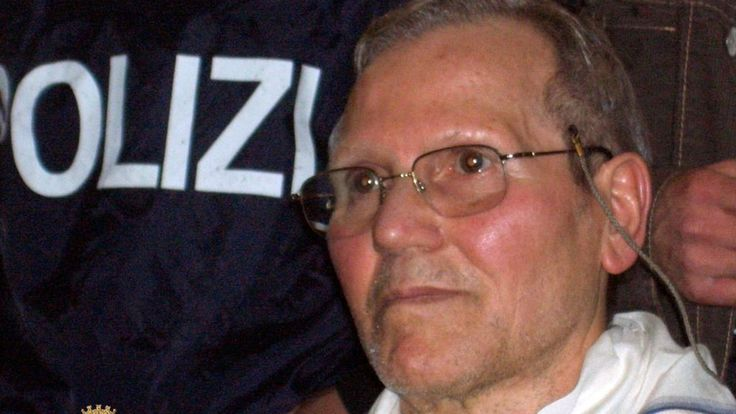 Notorious Italian mafia boss Bernardo Provenzano, who was captured in 2006 after 43 years on the run, has died in a prison hospital aged 83.