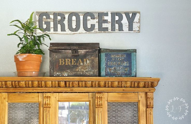 Salvaged Wood Sign using Funky Junk Stencils and Fusion Mineral Paint | http://www.lostandfounddecor.com/salvaged-wood-sign-using-funky-junk-stencils/