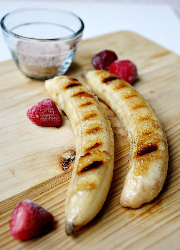 Cinnamon Sugar Grilled Bananas - an amazing satisfying dessert. Or put them on a pan, sprinkle them with crushed almonds and bake them until well toasted, and then serve them with whip cream