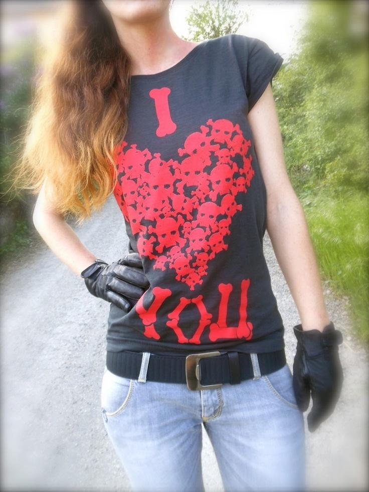 I love you, tshirt Happiness, outfit rosso nero e grigio