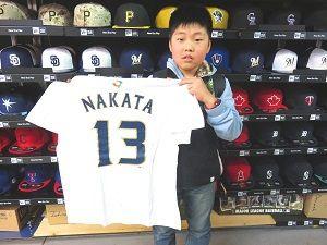 【ベースボール館】2015.03.24 長野からご来店いただきました!!中田選手は三冠王宣言していますし、大暴れの予感です\(^o^)/