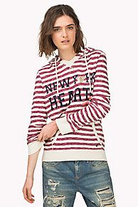 This casual hoodie is a cosy autumn layer with a very soft-washed feel and vintage look. Striped cotton with a soft terry inside. Contrast lining and tape inside the drawstring hood. Hilfiger Denim print across the chest, full kangaroo pockets. Signature heart charm above the bottom hem.<br/><br/>Our model is 1.76m and is wearing a size S Hilfiger Denim hoodie.