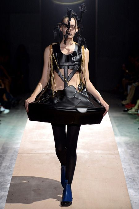 Comme des Garçons Spring 2014 Ready-to-Wear Collection Slideshow on Style.com