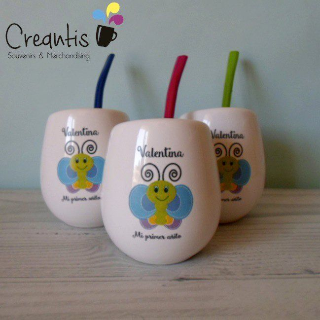 Calcos full color a partir de diseños del cliente, personalizados para souvenirs infantiles (foto cortesía de Creantis).