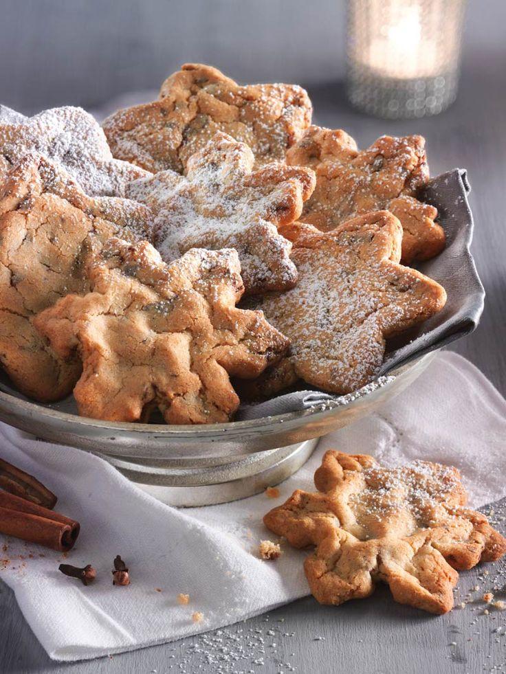 Diese herrlich würzigen und besonders knackigen Plätzchen mit Zimt, Nelken und Muskatnuss schmecken wie von der Großmama selbst gebacken. #Weihnachten #Kekse #Plätzchen #Gewürze #Schlesien #Rezept #DiamantZucker