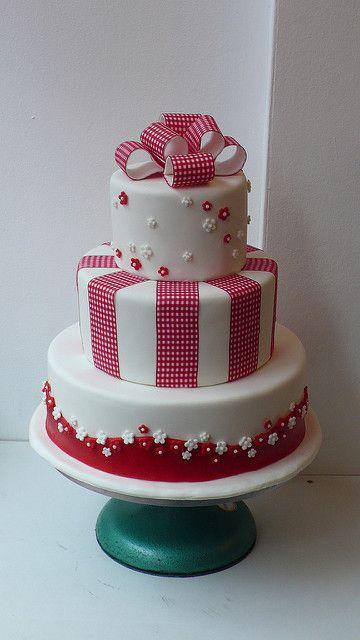 1950's retro gingham ribbon wedding cake | Zoe Elizabeth Gottehrer | Flickr