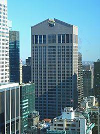 La Sony Tower, antiguamente AT&T Building, es un rascacielos de 197 m de altura y 37 plantas situado en el 550 de Avenida Madison entre las calles 55 y 56 en el borough de Manhattan en Nueva York, Estados Unidos.1 Fue diseñada por el arquitecto Philip Johnson y su socio John Burgee, y fue completada en 1984.