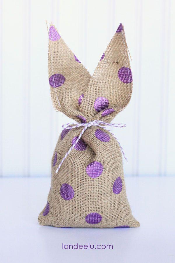 DIY Easy Burlap Easter Bunnies