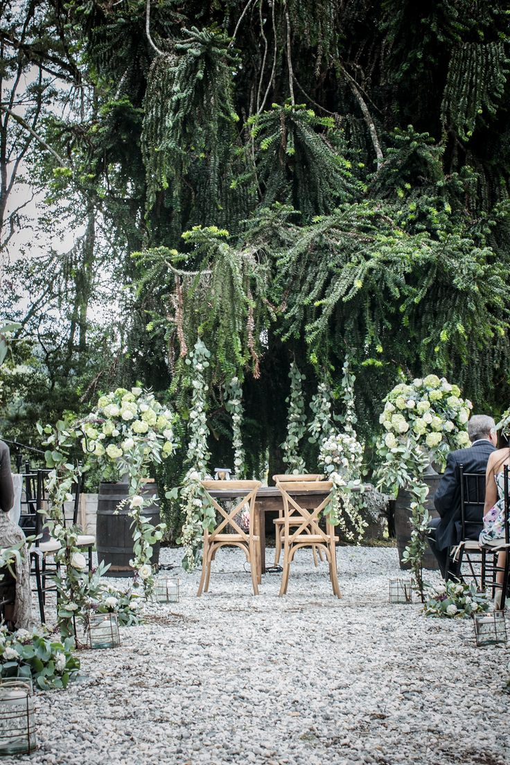 Ceremonia Greenery Parejas Boda Planes 2017 - Realizado por: Boda Planes - llamanos 3182862268  Foto: Si te casas conmigo #amaresunplan #noviosbodaplanes #hacemosparejasfelices #weddingplanner #bodascampestres #bodasmedellin #brides #boda #weddingplanner #decoracion #organizadoresdebodas #bodaplanes #wedding #decoraciondeboda #weddingdecor #decor