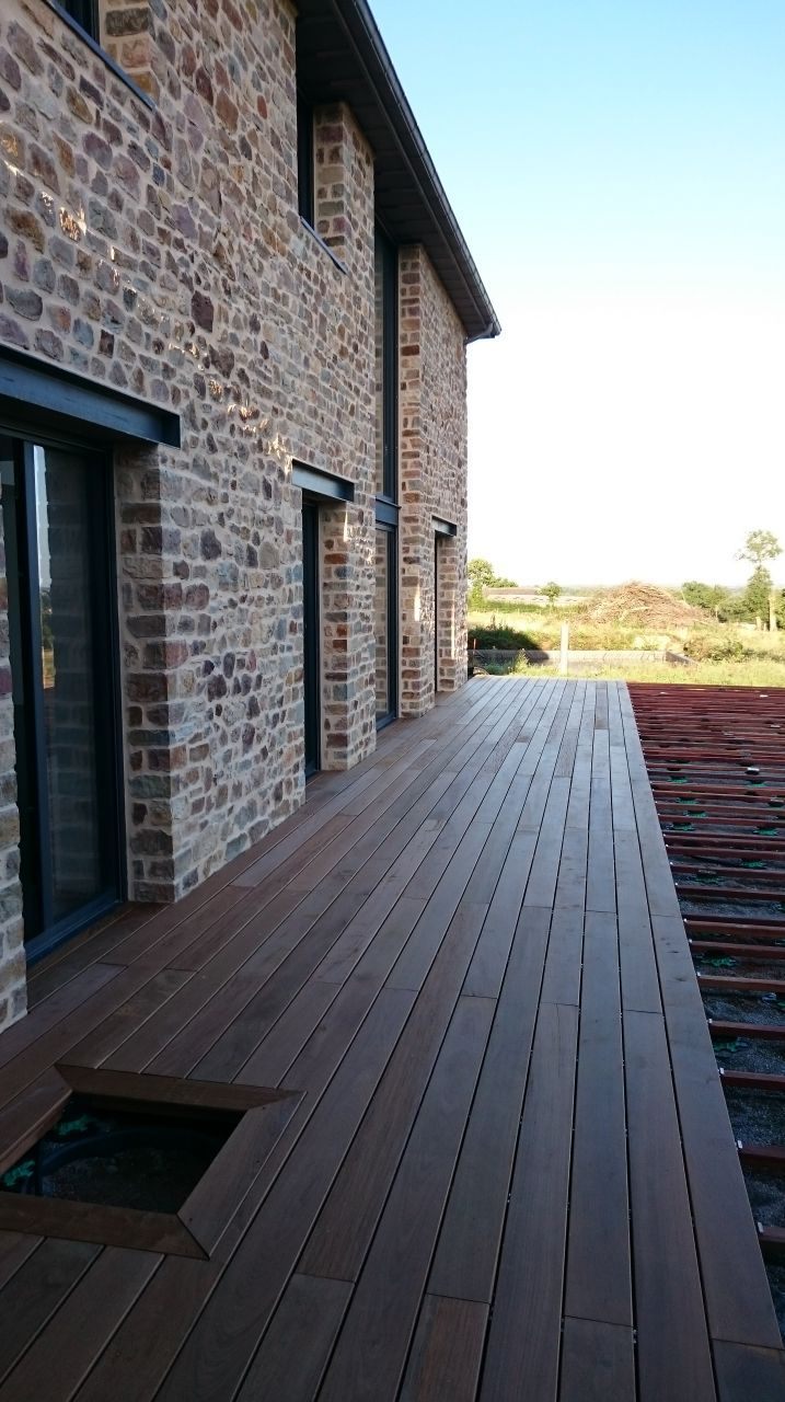 Terrasse En Cours De Pose In 2019 House Home Architecture
