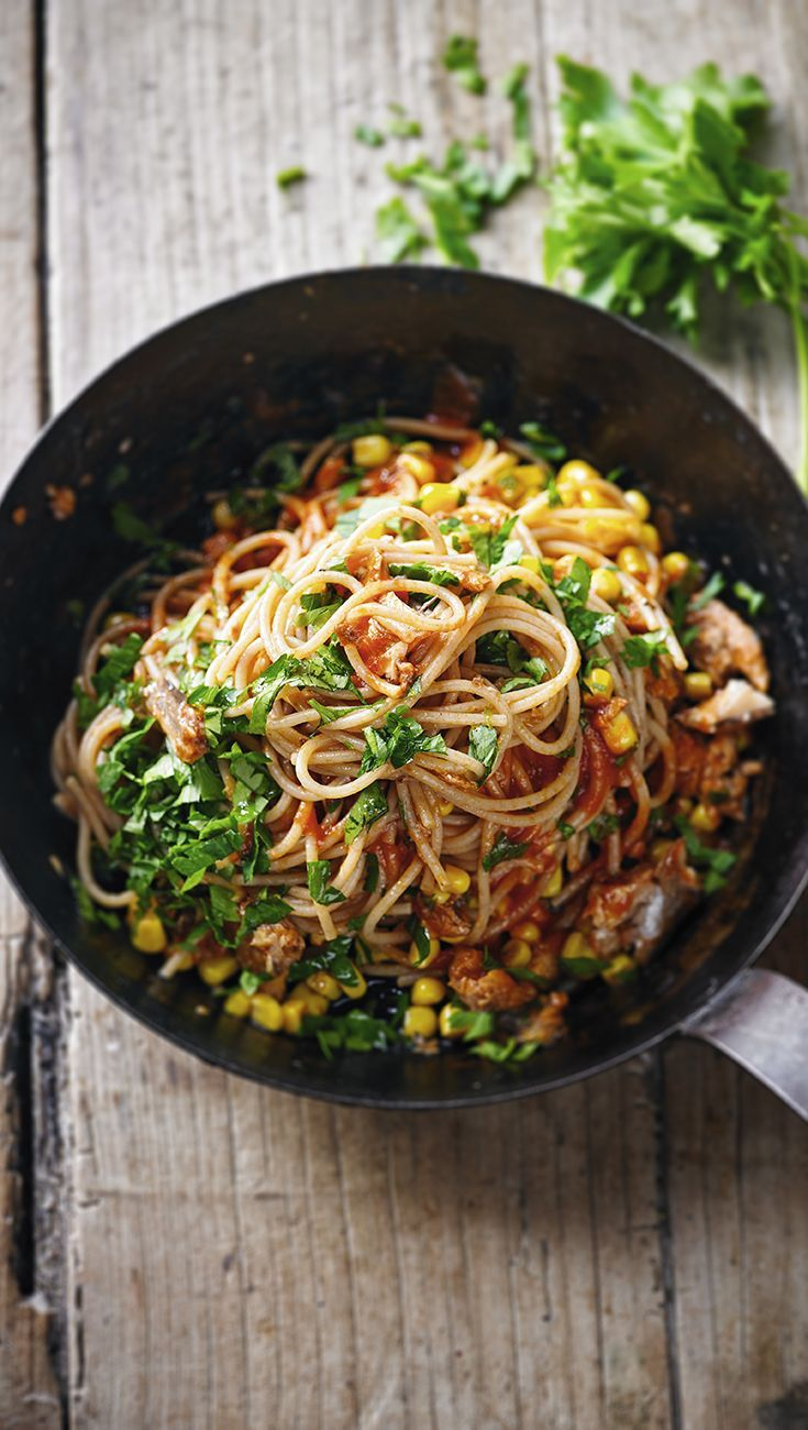 This fantastic dish is rich in omega 3 and is a great source of fibre. Ready in only 15 minutes, the sardine, tomato and sweetcorn spaghetti dish simply can't go wrong.