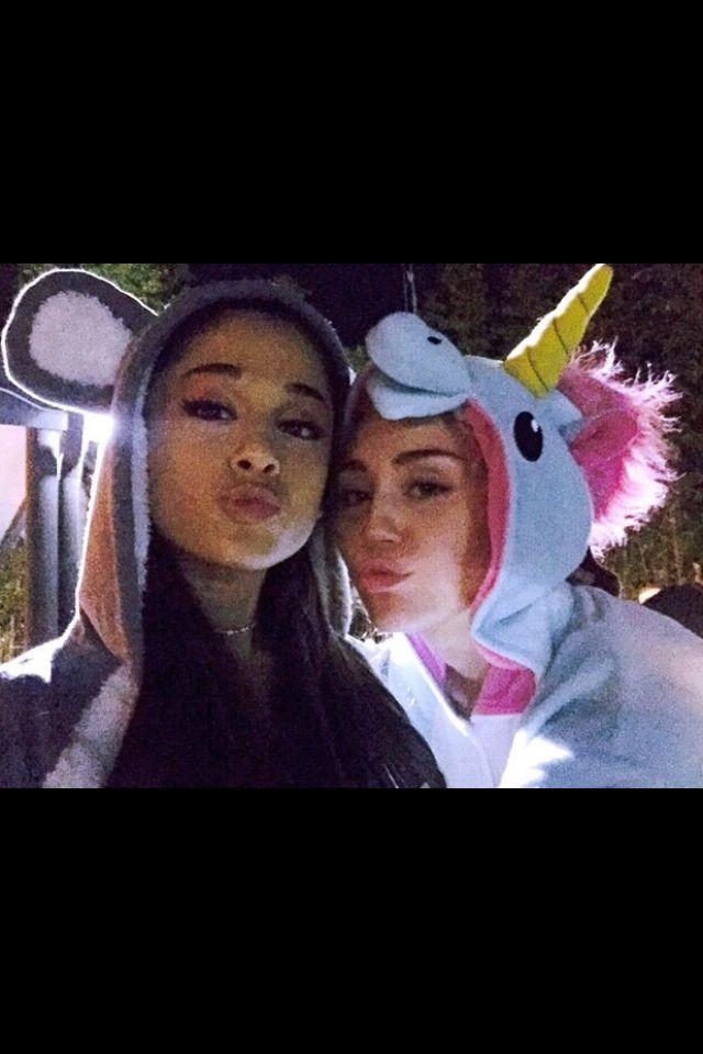 Ariana Grande & Miley Cyrus