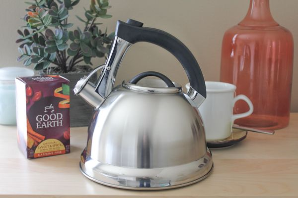 Keeping Warm with my Primula Whistling Tea Kettle (Giveaway!) #PrimulaProducts #teakettle #giveaway