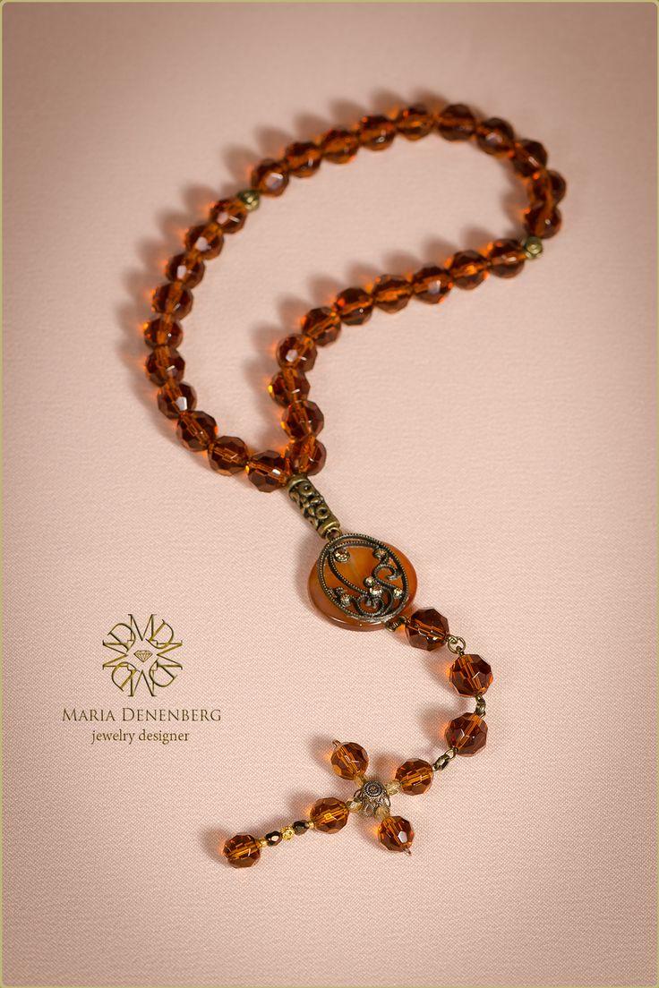 Catholic rosary. Swarovski, glass, cornelian. Католические четки. Сердолик, хрусталь Сваровски, чешское стекло.