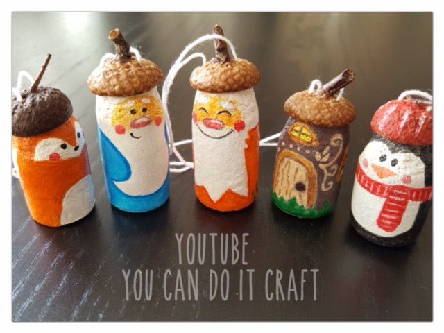 A woman cuts the ends off wine corks for the cutest Christmas idea
