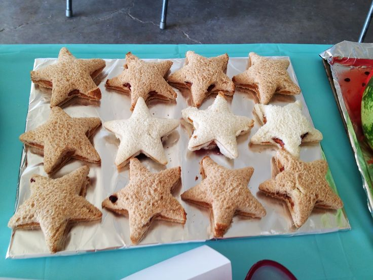 """Finding Nemo Birthday party- """"Peach"""" peanut butter & jelly sandwiches"""