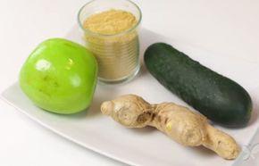 Frullato verde di mela, cetriolo e zenzero per dimagrire