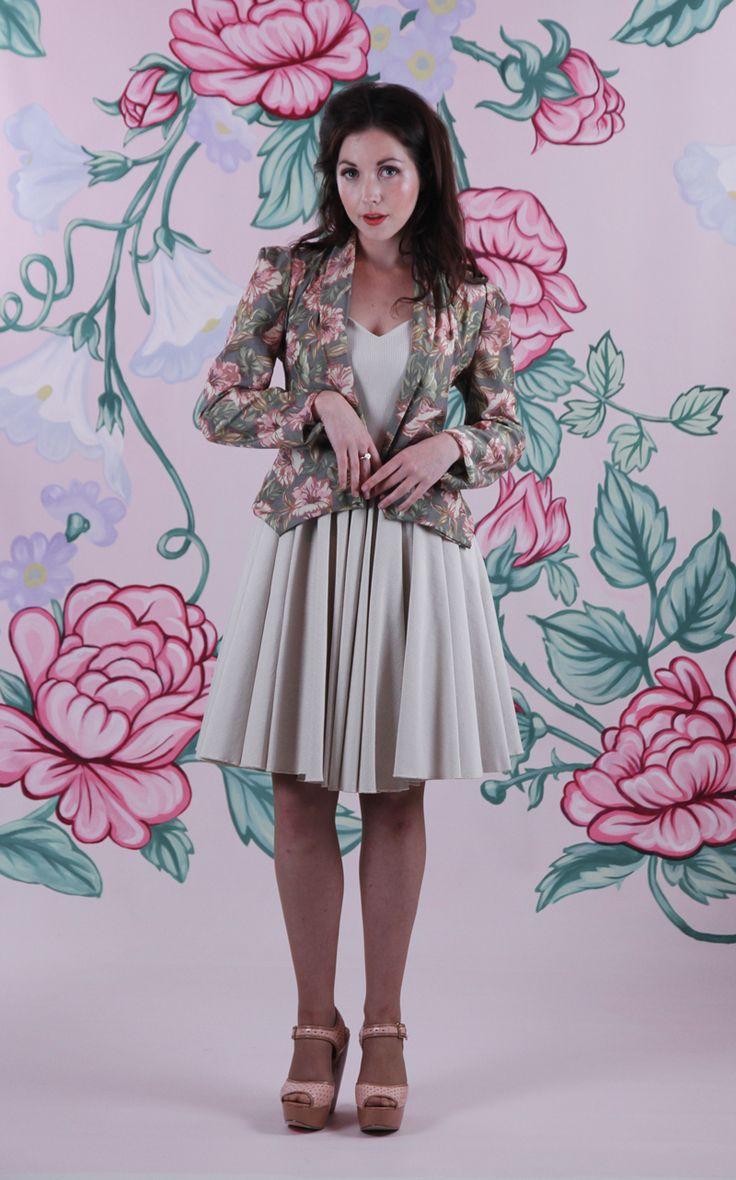 Harriett Falvey - Aroma Jacket - Floral, Aftrenoon Tea Dress - Cream