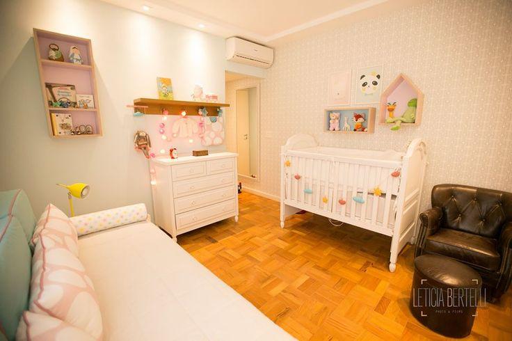 Projeto do escritório Bel e Tef Atelier da Reforma - Quarto de bebê menina - Apartamento Santa Cecília - Foto da reforma concluída