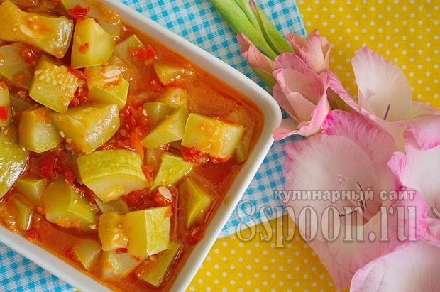"""Как приготовить салат из кабачков на зиму """"Тещин язык"""" с томатной пастой. Вкусные кабачки на зиму от сайта 8 Ложек вам понравятся!"""