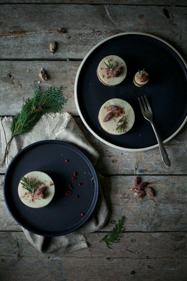 Gluten-free Domino cakes via that nordic feeling