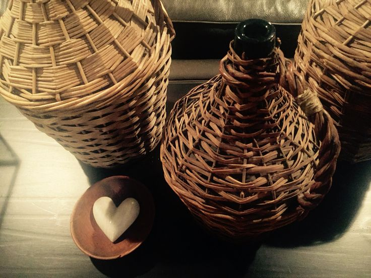 I love my antique wicker jugs.  This little marble heart from Pottey Barn found a perfect home ❤️