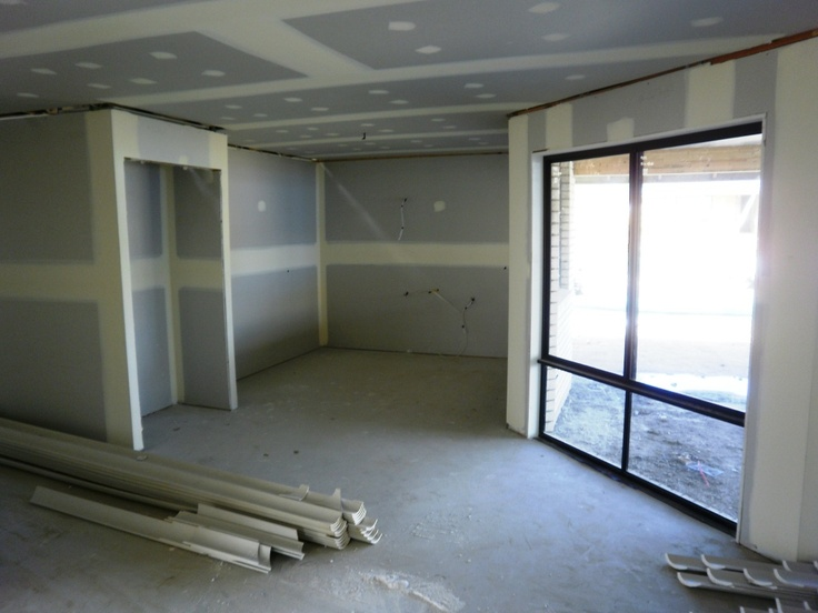 Week 5 - In Week 5 the electrician has finalised all the wiring,  all the plaster board has been erected and the plumber has completed the rough in for the bathrooms and kitchen. 7 weeks to go to complete the OJ Pippin Homes 12 week build.