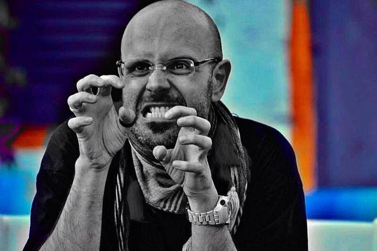 """""""L'Arte degli Stolti"""" è la rubrica de Gli Stolti sugli artisti contemporanei! Conoscete l'improvvisazione teatrale? Si? No? Qualunque sia la risposta, scoprite la compagnia AstrAtti Improvvisazione Teatrale sul nostro articolo con una video intervista esclusiva http://gli-stolti.blogspot.it/2015/03/larte-degli-stolti-astratti.html #arte #teatro #cultura"""