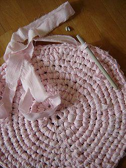 Make a Crocheted Rag Rug