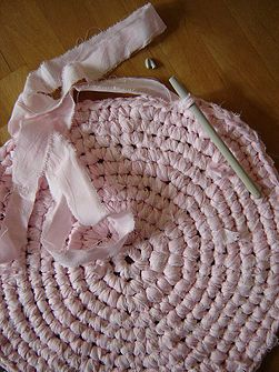 Make a Crocheted Rag Rug- If I start this soon maybe I