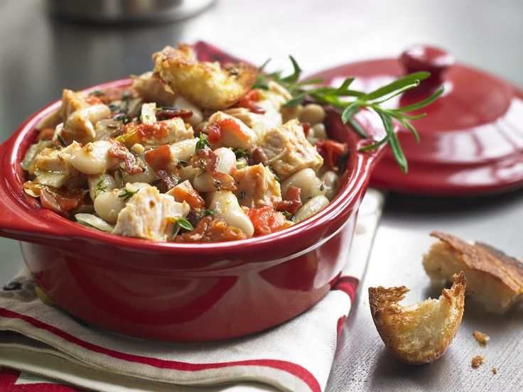Make Life Easy with this Tuna and White Bean Cassoulet recipe! LIKE us at https://www.facebook.com/goldseal  #PinToWin #NoDrainer #MakeLifeEasy