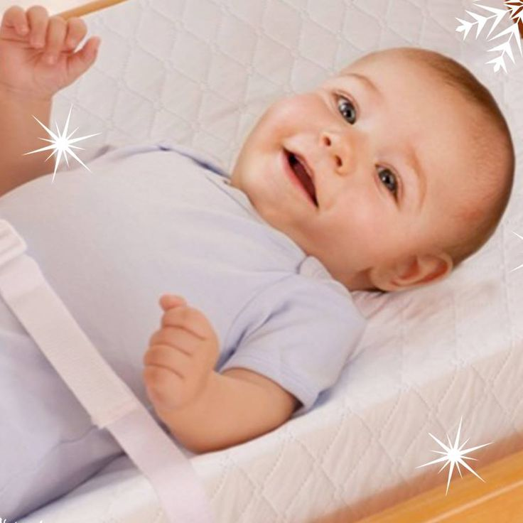 Nuestro colchón cambiador es práctico, seguro y cómodo para que organices a tu bebé con comodidad, además tienen correas ajustables y cuenta con un forro de fácil lavado. Toral ¡Le damos la bienvenida a la vida! ! Cómpralo en nuestra tienda virtual http://bebetoral.com/detalleitem.php?id_producto=20&id_categoria=1