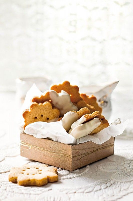 Almond biscuits | SARIE