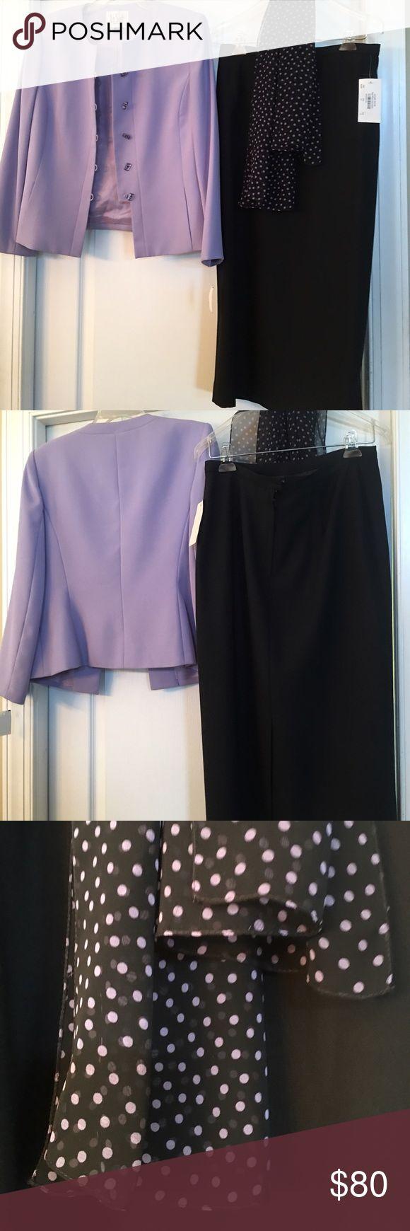 Le Suit suit petite suit. jacket & skirt, scarf Le Suit petite, lavender jacket, black skirt and matching scarf Le Suit Skirts A-Line or Full