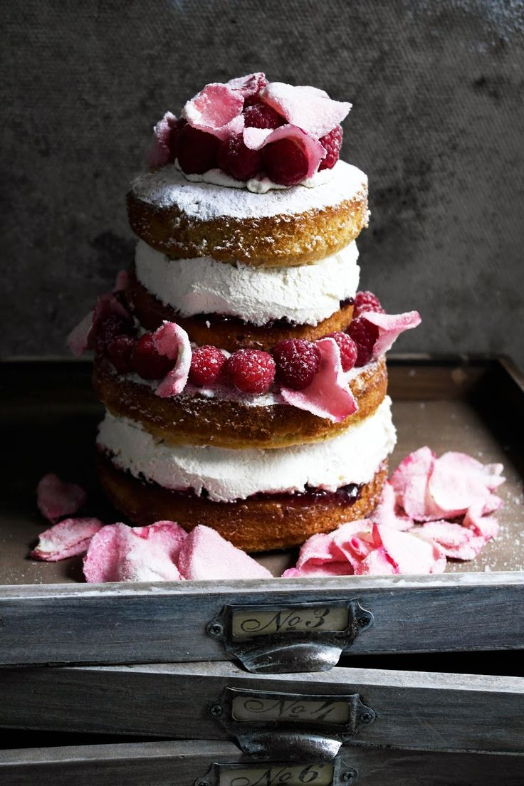 ..Twigg studios: fit for a queen victoria sponge cake with rose petals and fresh raspberries